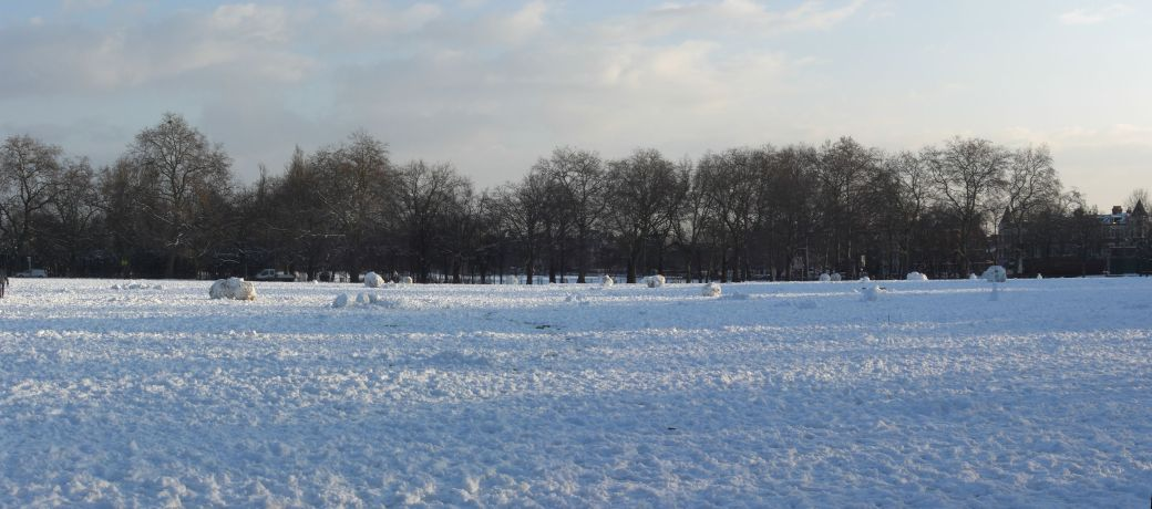 London Snow Panorama - Clapham Common Snowmen Graveyard