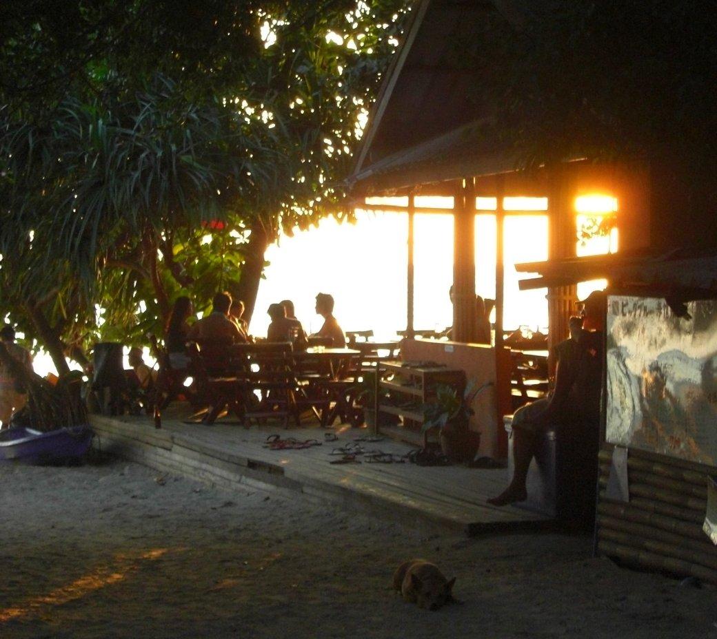 Big Blue's resteraunt/bar at sunset
