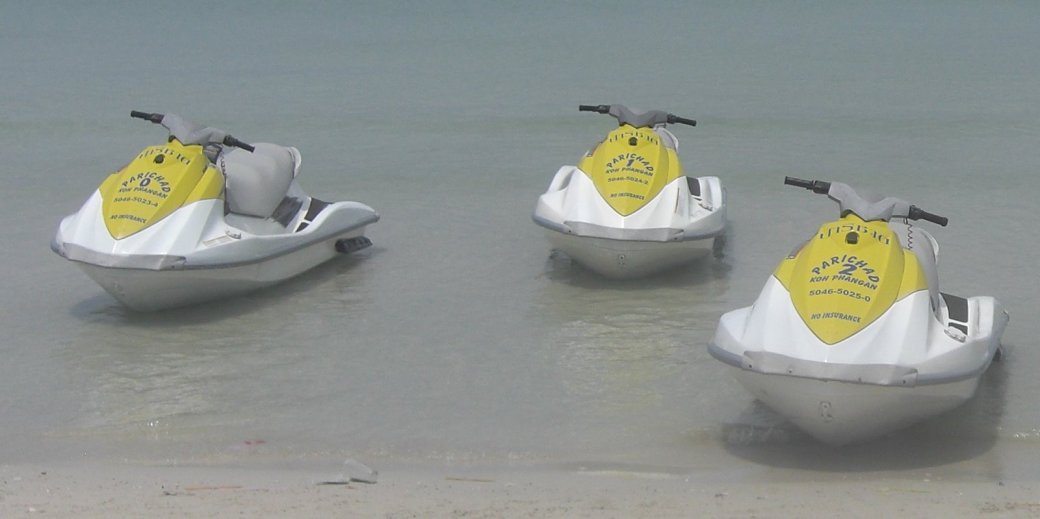 """No insurance"" put in vynal letters on the jet ski... isn't that reassuring??"