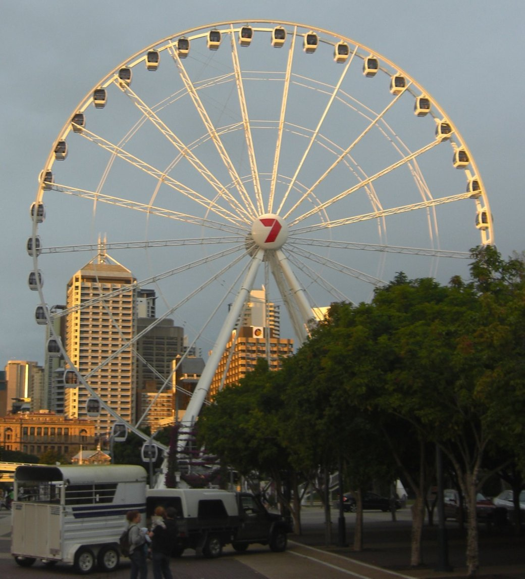 The Wheel of Brisbane at sundown. This was originally built for Seaworld near the Gold Coast, but it was too big, so the Council bought it!