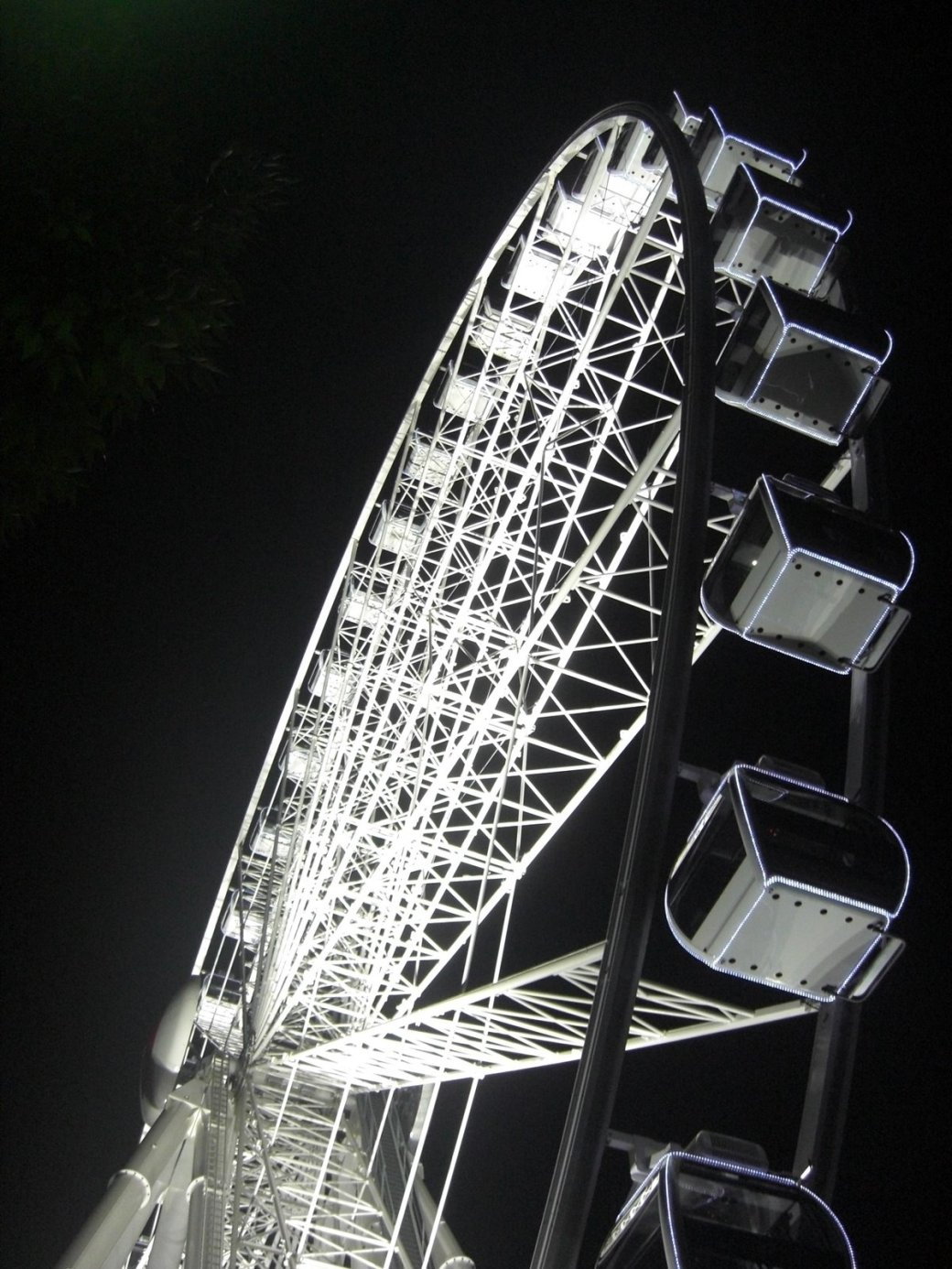 One more shot of that great wheel!
